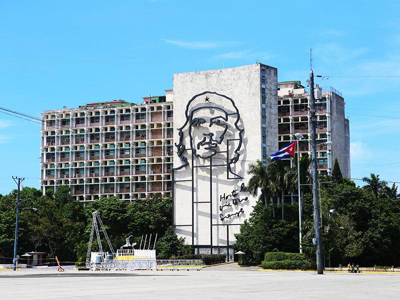 革命広場のチェ・ゲバラの肖像