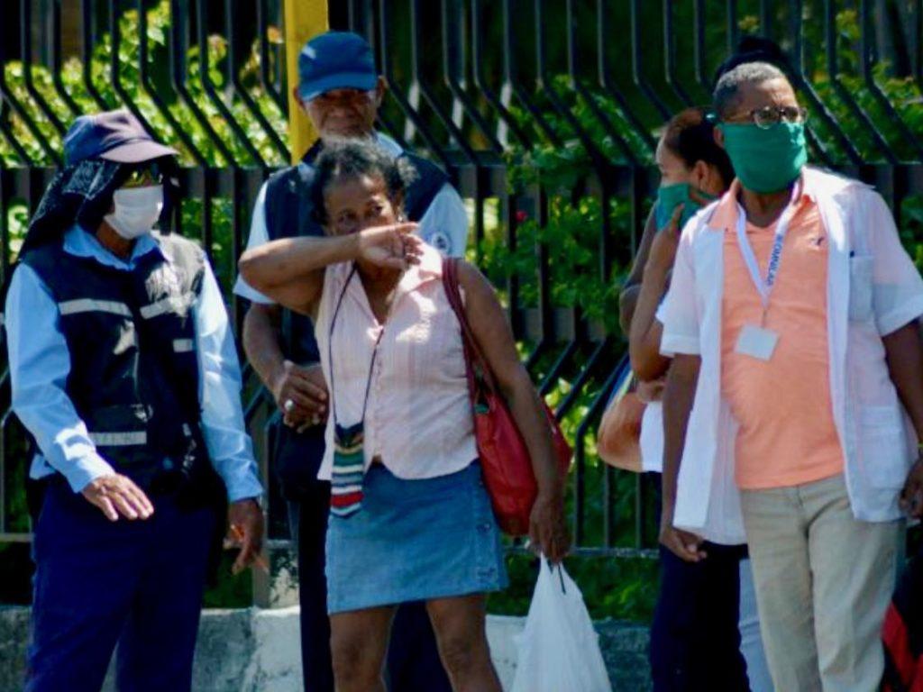 キューバのコロナウィルス感染予防対策:マスクと手洗い