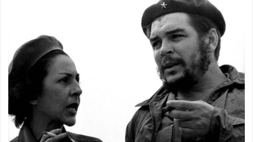 キューバの女性