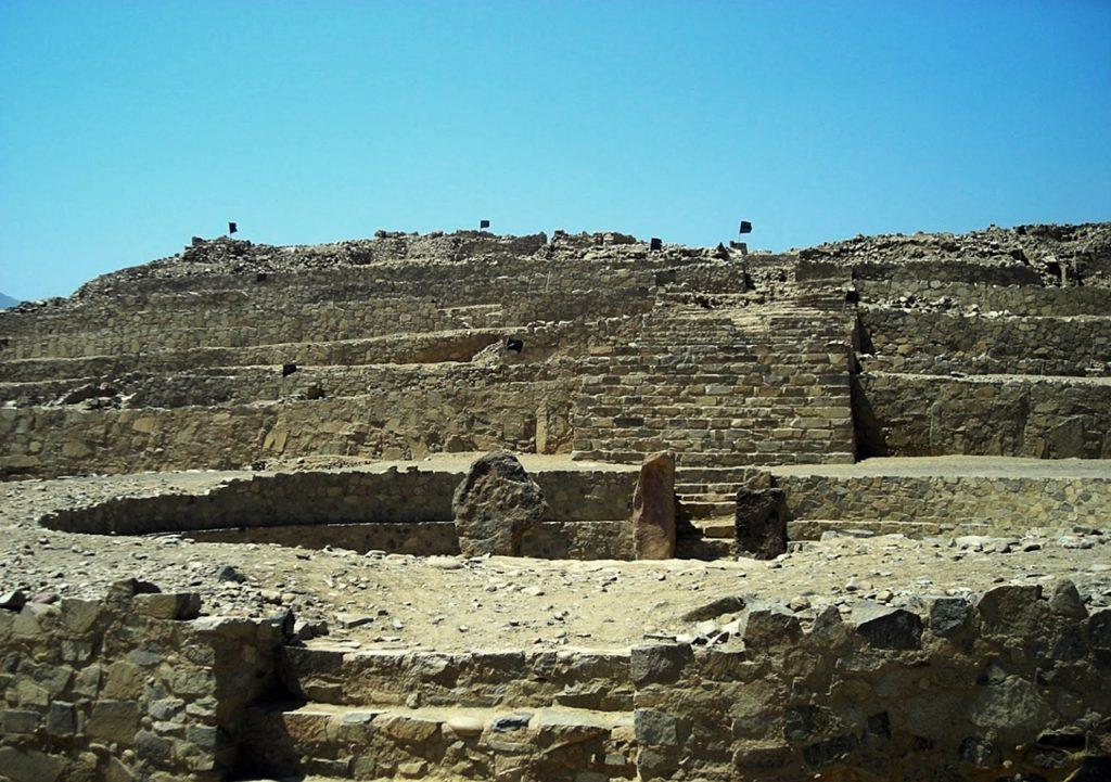 ペルー カラル遺跡