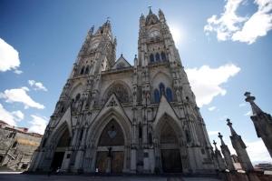 19世紀に建築が開始された未完のネオゴシック様式、バシリカ