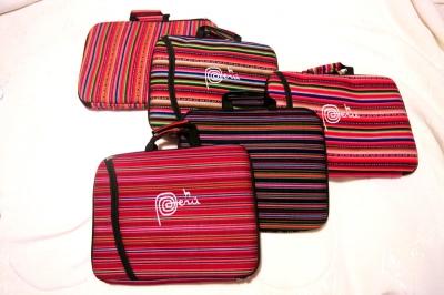 パソコン・バッグ、各色。
