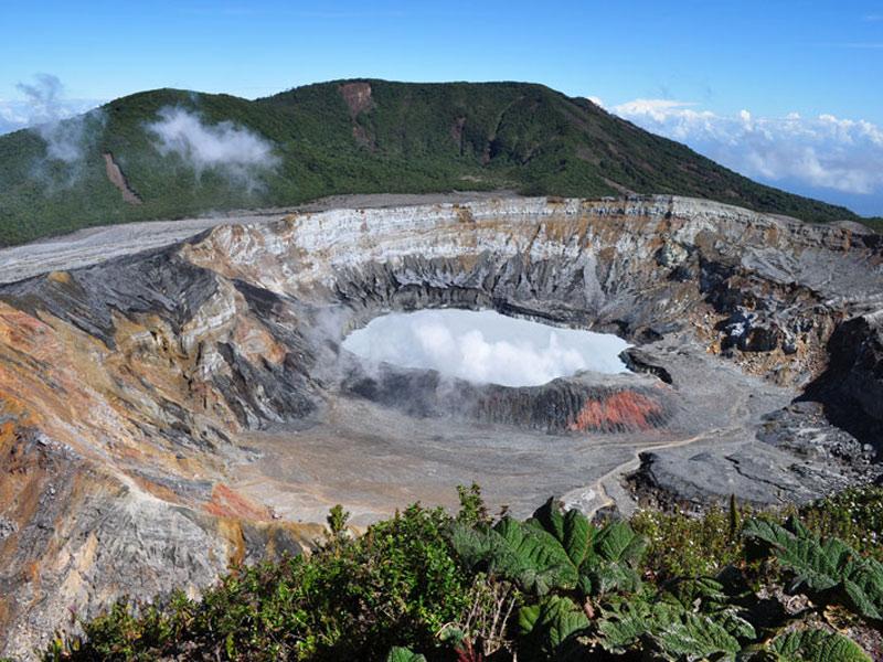 ポアス火山